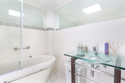 Camps Bay Apartment : 12[1]