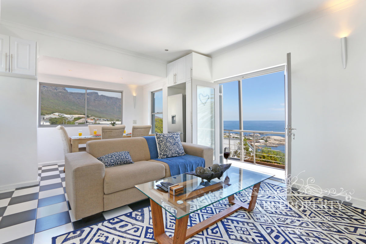 2 Bedroom Apartment in Camps Bay