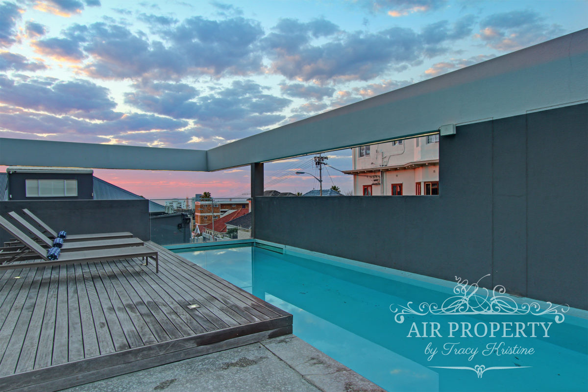 2 Bedroom Apartment in Bantry Bay