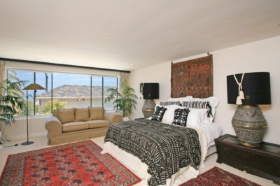 Camps Bay Apartment : Master Bedroom