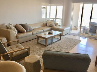 Mouille Point Apartment : Mouille point 3 bedroom apartment viewLounge 4