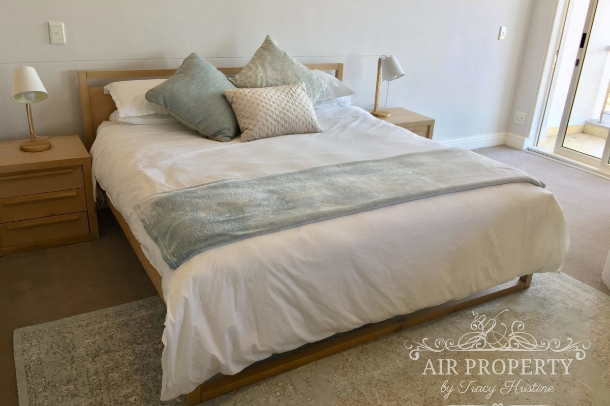 3 Bedroom Apartment in Mouille Point