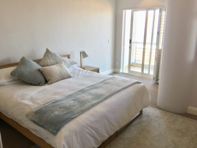 Mouille Point Apartment : Main bedroom 3