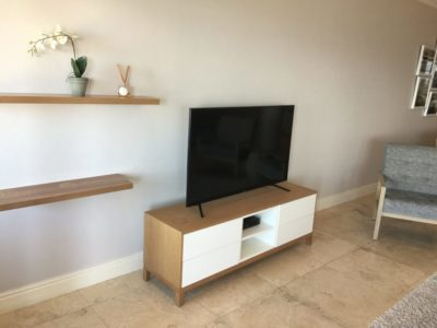 Mouille Point Apartment : TV cabinet