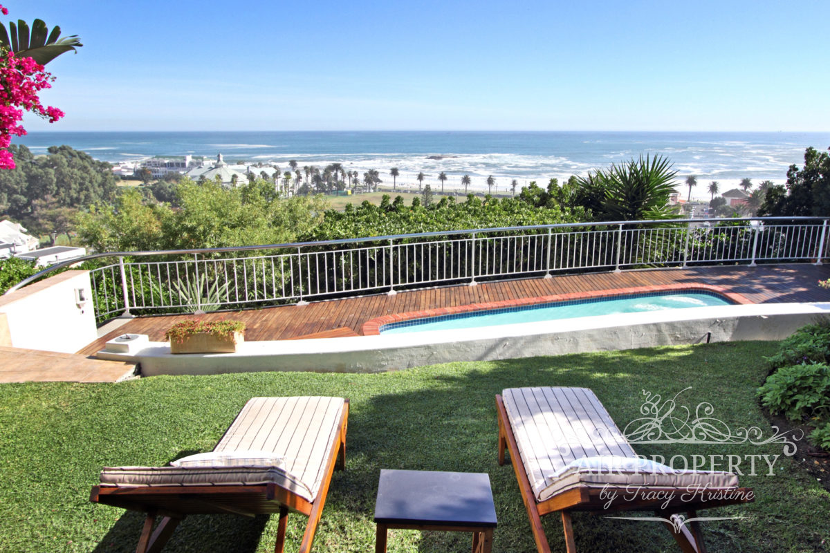 Holiday    Villas in Cape Town