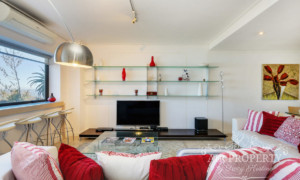 Apartment in Clifton