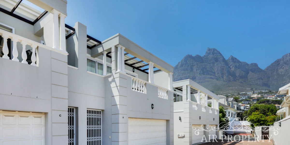 Holiday Rentals in Cape Town / The Berkley