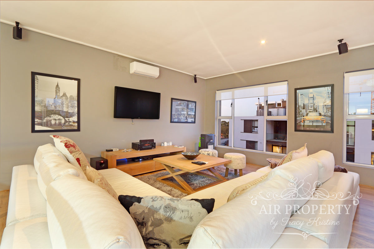 Holiday Rentals in		 						 		 	Green Point