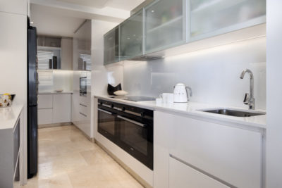 Mouille Point Apartment : 5 bedroom penthouse Mouille Point luxury villa modern kitchen