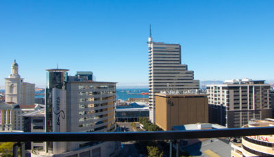 Cape Town CBD Apartment : Air_Property_City_accommodation_balcony2