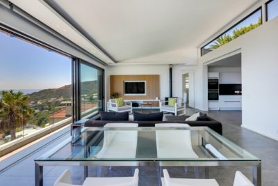 Camps Bay Apartment : Air_Property_Valiant_dining