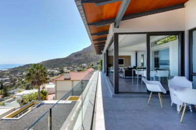 Camps Bay Apartment : Air_Property_Valiant_patio2