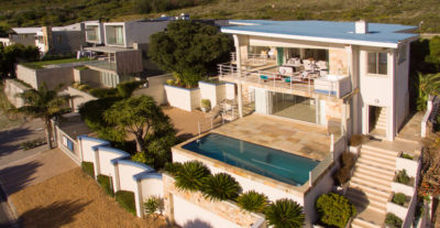 Camps Bay Villa : Air_property_luxury_villa_camps_bay_silver_lining_front_house