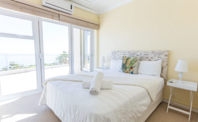 Camps Bay Villa : 4 bedroom Camps Bay Villa with pool and Jacuzzi (12)