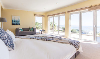 Camps Bay Villa : 4 bedroom Camps Bay Villa with pool and Jacuzzi (13)