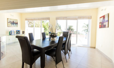 Camps Bay Villa : 4 bedroom Camps Bay Villa with pool and Jacuzzi (14)