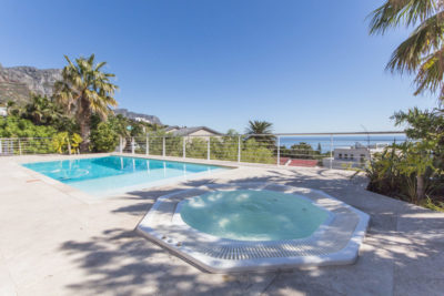 Camps Bay Villa : 4 bedroom Camps Bay Villa with pool and Jacuzzi (15)