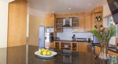 Camps Bay Villa : 4 bedroom Camps Bay Villa with pool and Jacuzzi (16)