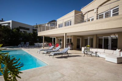 Camps Bay Villa : 4 bedroom Camps Bay Villa with pool and Jacuzzi (18)