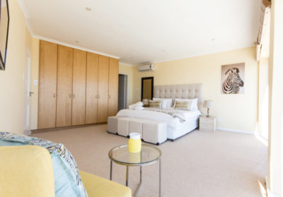 Camps Bay Villa : 4 bedroom Camps Bay Villa with pool and Jacuzzi (6)