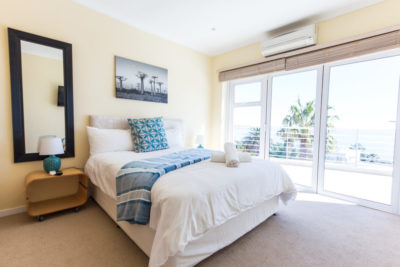 Camps Bay Villa : 4 bedroom Camps Bay Villa with pool and Jacuzzi (9)