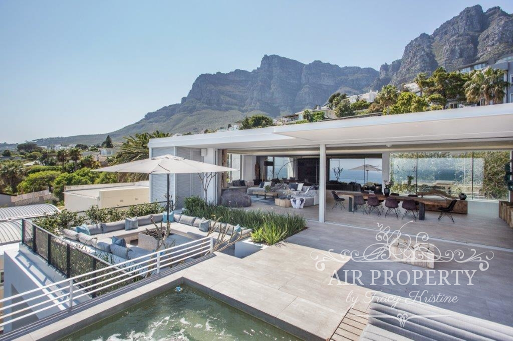 Holiday Rentals in		 						 		 	Camps Bay