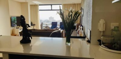 Sea Point Apartment : 3 Bedroom secure apartment Upper Seapoint with pool (15)