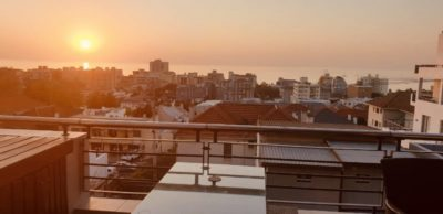 Sea Point Apartment : 3 Bedroom secure apartment Upper Seapoint with pool (17)