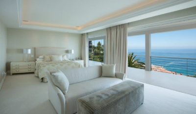 Choose a location: Villa : Burgundy Glow Villa Bantry Bay with Pool (4)