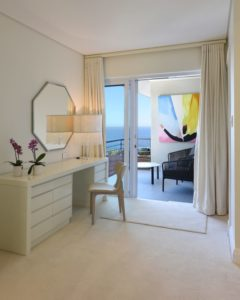 Choose a location: Villa : Burgundy Glow Villa Bantry Bay with Pool (5)