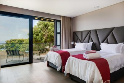 Camps Bay Villa : 6 Bedroom Camps Bay Villa with sea views and pool (10)