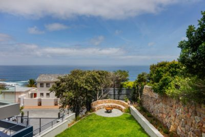 Camps Bay Villa : 6 Bedroom Camps Bay Villa with sea views and pool (13)