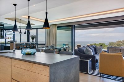 Camps Bay Villa : 6 Bedroom Camps Bay Villa with sea views and pool (22)