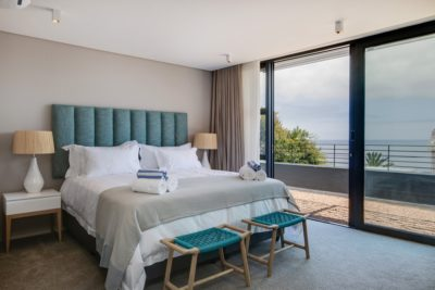 Camps Bay Villa : 6 Bedroom Camps Bay Villa with sea views and pool (29)