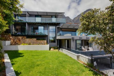 Camps Bay Villa : 6 Bedroom Camps Bay Villa with sea views and pool (39)