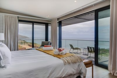 Camps Bay Villa : 6 Bedroom Camps Bay Villa with sea views and pool (41)
