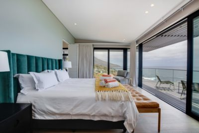 Camps Bay Villa : 6 Bedroom Camps Bay Villa with sea views and pool (42)