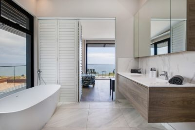 Camps Bay Villa : 6 Bedroom Camps Bay Villa with sea views and pool (45)