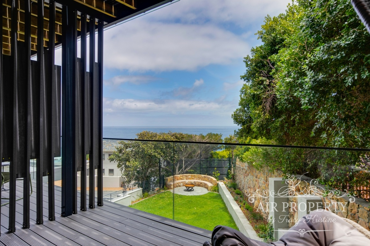 6 Bedroom Villa in Camps Bay