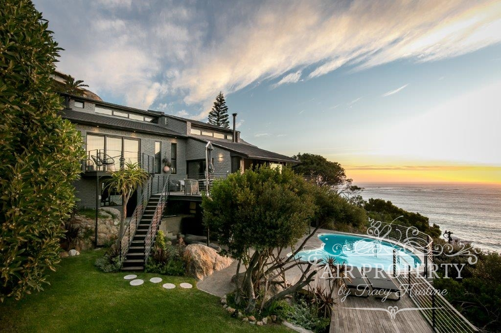 Cape Town Holiday Rentals with  Security